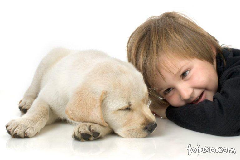 Especialistas afirmam que pets ajudam no desenvolvimento das crianças
