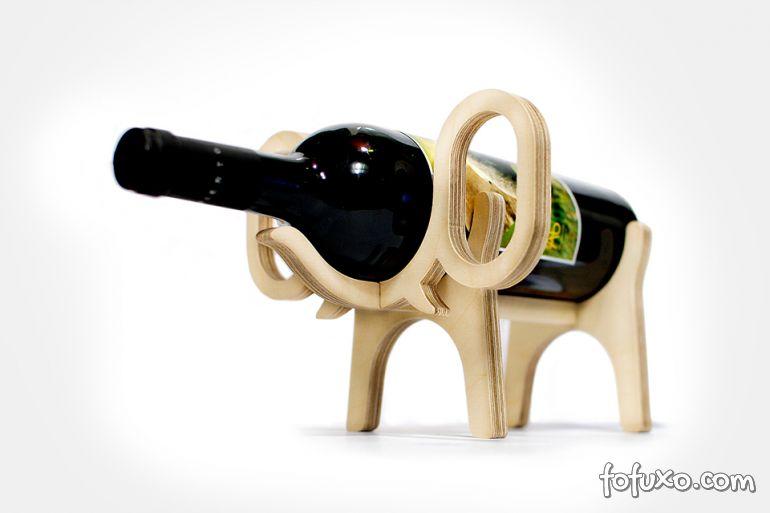 Empresa lança vinho especial para cães