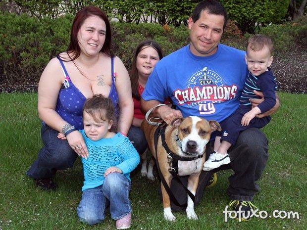 Família consegue reencontrar cachorro perdido depois de 2 anos