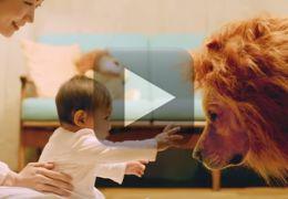 Comercial mostra o que acontece com os cães quando um bebê chega na família