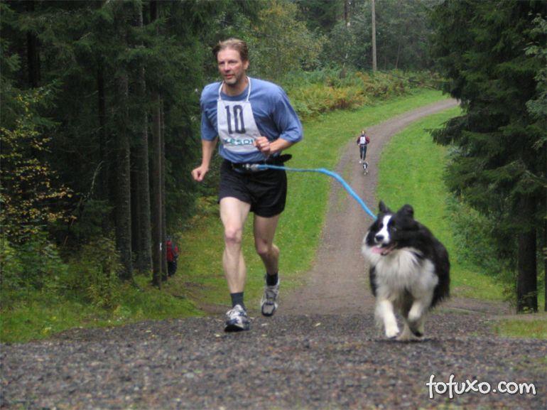 Canicross vira moda entre praticantes de corrida