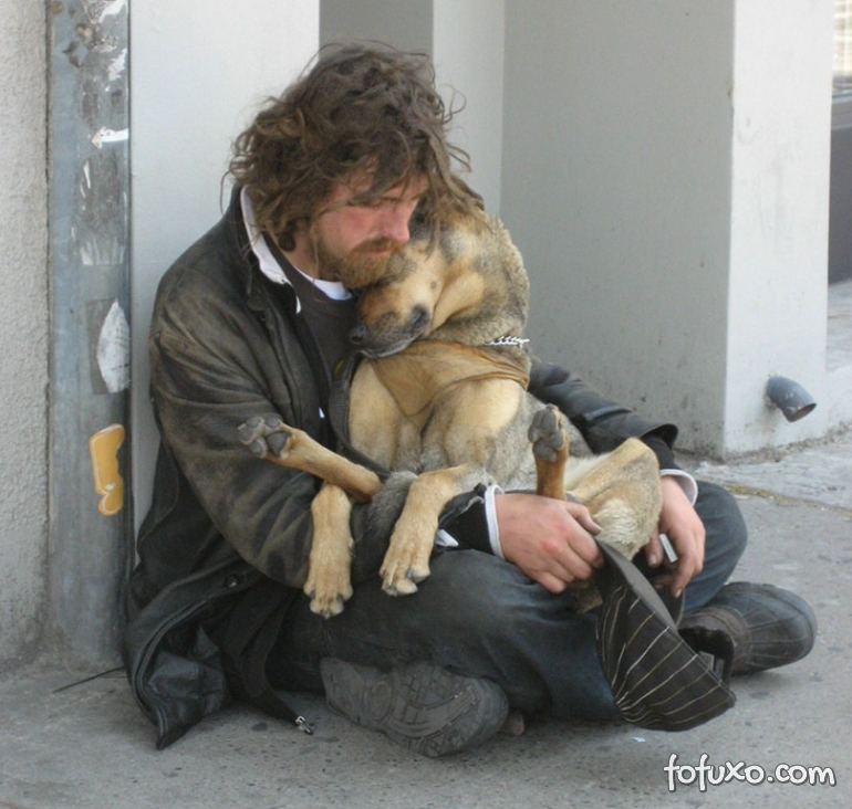 Fotos mostram amor de moradores de rua por seus cães - Foto 2