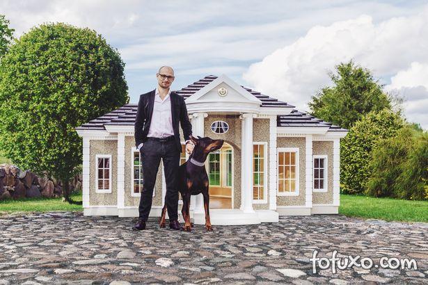 Empresa lança casas para cães que custam mais de R$ 720 mil