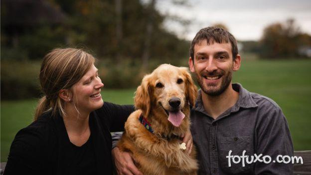 Cachorro com câncer terminal anda de balão e ganha cheesburger