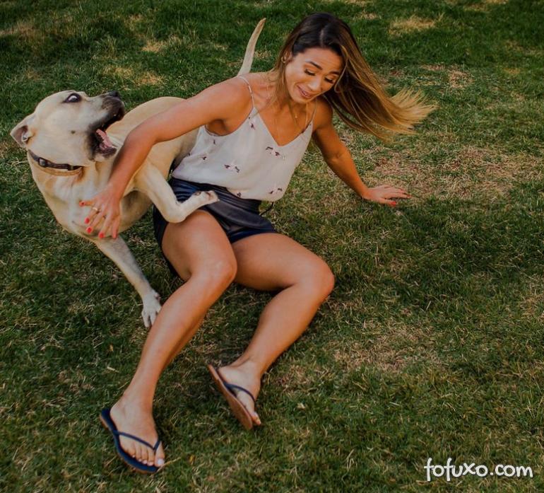 Casal viraliza com cachorro em ensaio pré-casamento - Foto 7